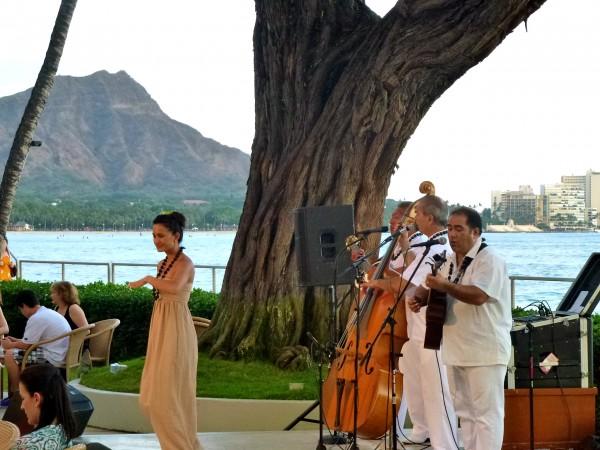 Nightly live music and hula dancing at Halekulani