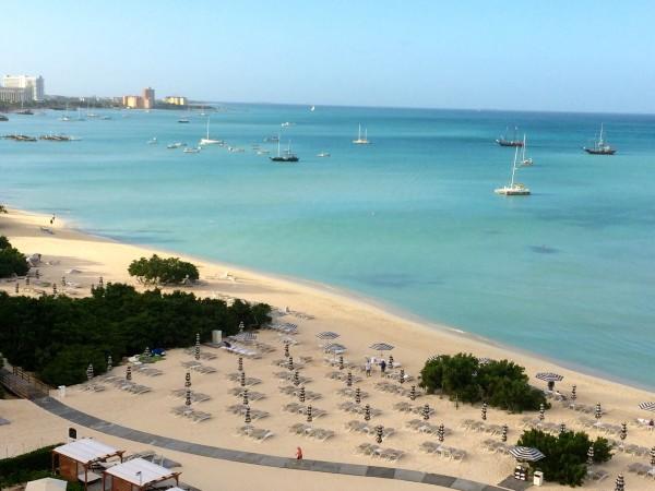 Ritz-Carlton Aruba's expansive beach